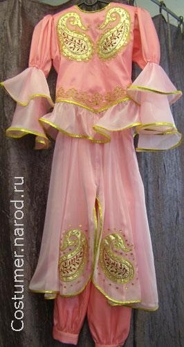 Детский азербайджанский национальный костюм для девочки.